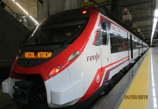 セルカニアス 近郊列車