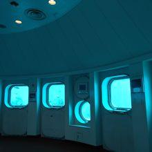 海中展望塔の内部