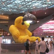 カタール航空の本拠地でありハブ空港となっているハマド国際空港(ドーハ空港)のトランジット時に利用しました。