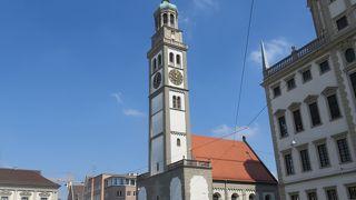 12世紀に建築され・・・