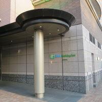 駅に近い側の入口です