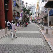 大阪の北新地に雰囲気が似ている。
