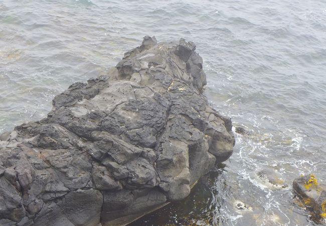 人面岩 寝熊の岩