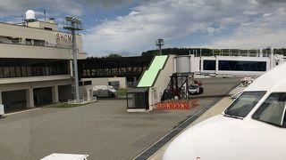 山形と東京を約1時間で結ぶ空港です。コンパクトに纏まった空港です!!