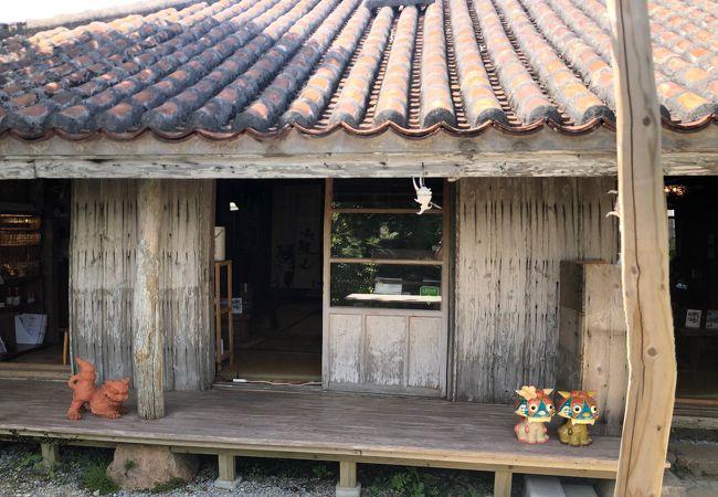 琉球家屋で美味しい沖縄そば