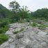 巨岩が連なる