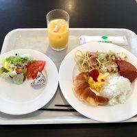ホテルの朝食はビュッフェスタイルです。