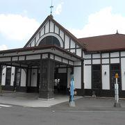 おしゃれで風格のあるJR琴平駅