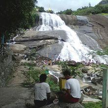 ジンチャイッ滝