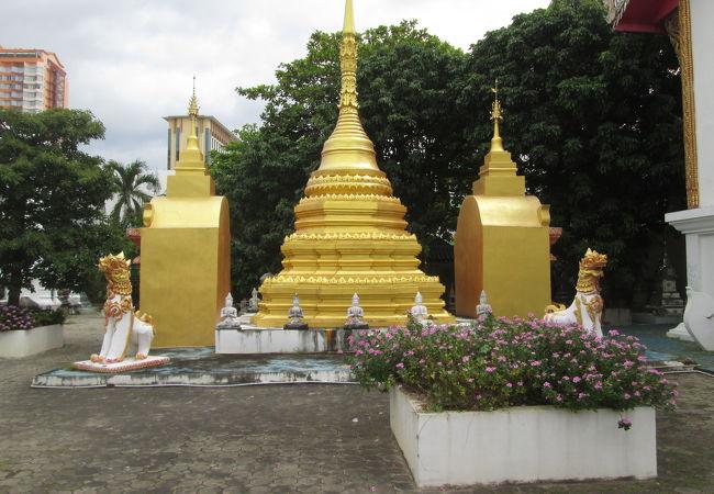 ワット スィ ドン チャイの仏塔