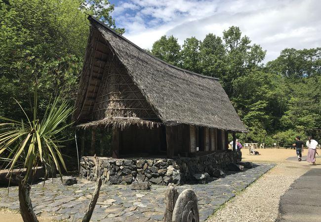 インドネシア・トバ・バタックの家