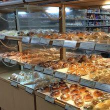 各種焼き立て作り立てパン