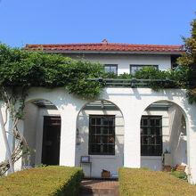 昭和初めに建てられたアメリカ人商人の家です。