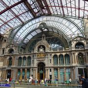 これぞヨーロッパの駅・・美しい