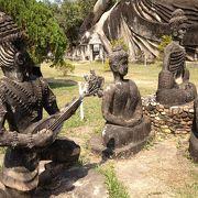 怪しすぎる仏像たちの不思議ワールド