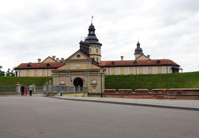 ニャースヴィシュ宮殿
