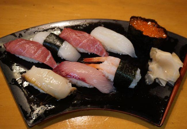 地元では老舗で通っている寿司屋さんです