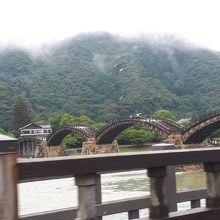 錦帯橋と錦川