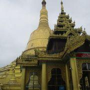 ミャンマーで一番高い仏塔として知られている仏塔は1951年に再建されたものです。