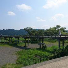 蓬莱橋 横から