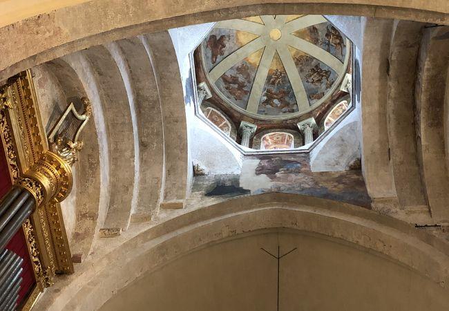 ノートルダム デ ドン大聖堂