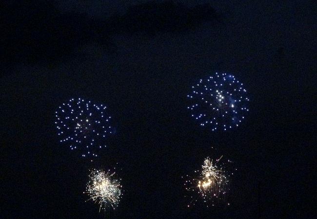 花火が4000発!海の街で見る花火は感動もの!!