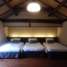 蔵の部屋は2階部屋で2階が寝室です。