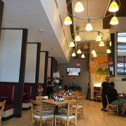 カフェ盛りのデトロイトダウンタウンの有名カフェ