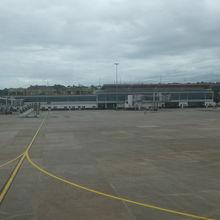 コナクリ国際空港 (CKY)