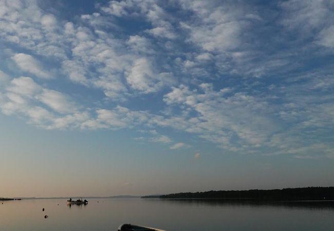 女満別湖畔