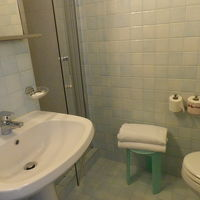 浴室。左奥がシャワーブース