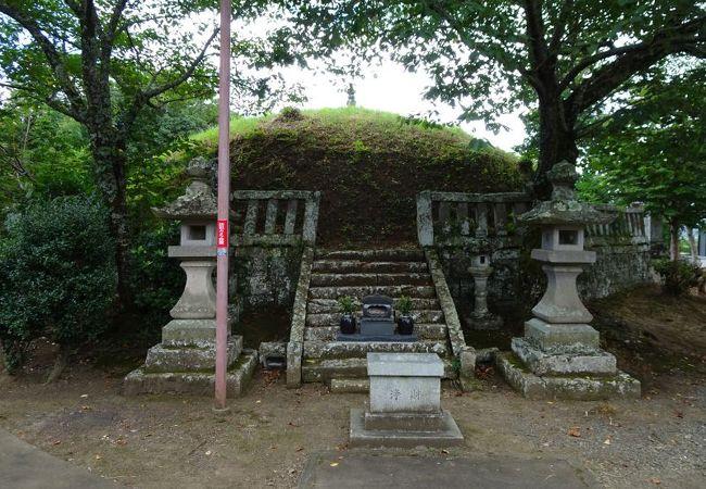 六万部寺の経塚