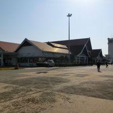パクセー空港 (PKZ)