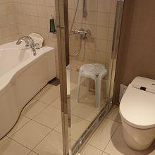 バスルームは洗い場付き