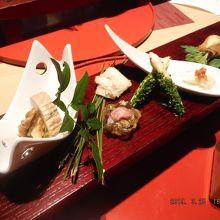 前菜 和洋7種盛り 道産スモークサーモン タラの芽巻いて、道