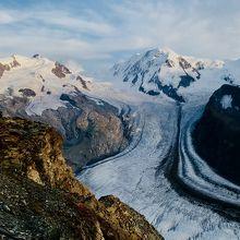夏場のゴルナー氷河