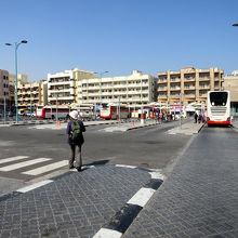 アル グバイバ バス ステーション