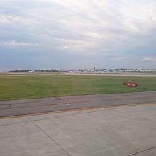 シャーロット ダグラス国際空港 (CLT)
