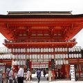 写真:下鴨神社 楼門