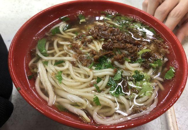 地味な夜市ですが、台南担仔麺が絶品でした。