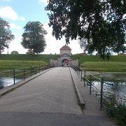 旧市街地の北側にある要塞です。