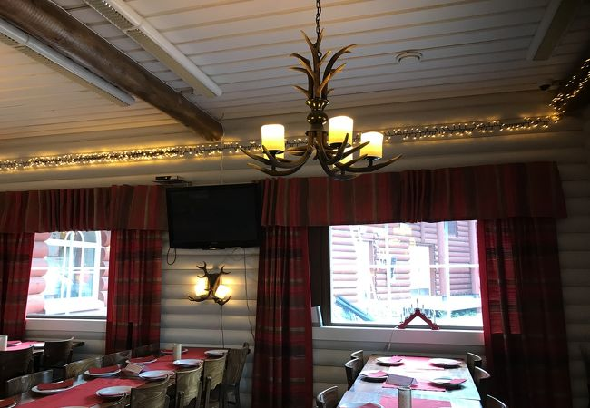 クリスマスハウスレストラン&バー