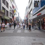 旧市街地の南北を通る通りです。