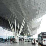デザインが素敵な空港でした(ザグレブ→日本)