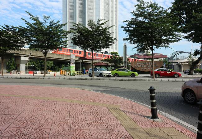 市内電車 (LRT)