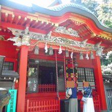 江ノ島のやや上の方にあった神社でした。