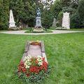 写真:中央墓地