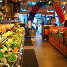野菜売り場。日本にないものもあります。