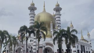 ウブディア モスク