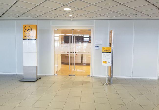 ライプチヒ空港 (LEJ)